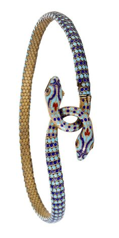 Antiques Jewelry How fabulous is this antique silver gilt and enamel snake necklace? I would wear it any day. (Via Doyle New York. Snake Bracelet, Snake Necklace, Snake Jewelry, Animal Jewelry, Jewelry Art, Antique Jewelry, Silver Jewelry, Vintage Jewelry, Jewelry Accessories
