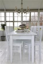 Jeanne d'Arc Living - Very nice dining table in white patinated wood.