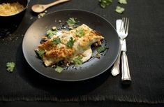 Panqueca de ricota e espinafre com molho branco   Panelinha - Receitas que funcionam dica: http://panelinha.ig.com.br/site_novo/meuBlog/pitadas--1633