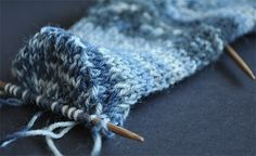 How to Knit Your First Sock - Part 3 Getting rid of the gusset gap Knitted Socks Free Pattern, Loom Knitting Patterns, Knitting Stitches, Knitting Designs, Free Knitting, Knitting Socks, Stitch Patterns, Crochet Yarn, Crochet Socks