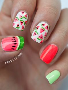 Juicy Watermelon Nail Art! (Don't use real watermelons...) I wish I could eat them...