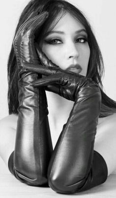 Black Leather Gloves, Black Faux Leather, Dita Von Teese Style, Gloves Fashion, Women's Fashion, Long Gloves, Leather Dresses, Leather Fashion, Vegan Leather