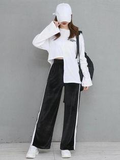 discover ideas about korean girl fashion 47 Korean Girl Fashion, Korean Fashion Trends, Korean Street Fashion, Ulzzang Fashion, Korea Fashion, Kpop Fashion, Asian Fashion, Trendy Fashion, Fashion Outfits