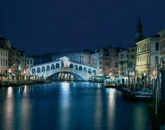 Image Architecture and Design Italy. Venice in Architecture and Design - Italy. Places Around The World, Travel Around The World, Around The Worlds, Venice Travel, Italy Travel, Venice In One Day, Portofino Italy, Cinque Terre Italy, Grand Canal