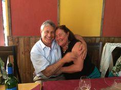 Cuál crees que sea el secreto para sostener una #relacióndepareja a través del tiempo? Este viernes a las 11 am Perú, 6 pm. España, nos lo contará una pareja que lleva más de 40 años juntos, Fausto Andrés Funez de http://www.masqueanimales.tv/ y de http://wikinomia.tv/ y su esposa Mercedes Alonso Silva, te aseguro que te inspirarán!!! Te esperamos en: http://amoryexito.com/envivo/