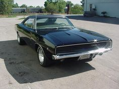 The 1968 Dodge charger is by far the best looking muscle car ever made.It came with or 426 hemi.This car also came in R/T. Dodge Charger 1968, My Dream Car, Dream Cars, Sweet Cars, Steve Mcqueen, Us Cars, American Muscle Cars, Car Car, Car Vehicle