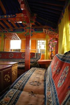 The quintessential Tibetan colour palette, we love the mixed textures and bright colours of Potala Palace.
