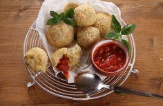 Arančīnī, jeb Arančino (itāliešu val.: arancine / arancini di riso alla siciliana). Tā ir Sicīliešu klasika! Tradicionāls sicīliešu street food ēdiens, kura pagatavošana neprasa īpašu meistarību. Ja esiet itāļu virtuves piekritējs, noteikti izmēģiniet šo recepti!