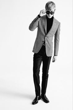 Tom Ford - Fall 2015 Menswear - #NEB #noiretblancconcept #black and white #fashion #fashionformen #noiretblancforhim #men
