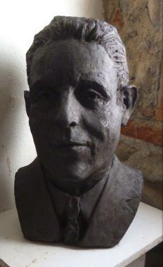 Buste de Francis Poulenc- sculpteur G Lartigue Francis Poulenc, Bronze, Classical Music, Lartigue, Images, Composers, Sculpture, Statue, Artwork