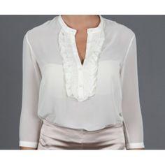 Tasarımcı: Atolye.co  Güpür Detaylı Şifon Bluz Şifon kumaş kullanılmıştır. Klasik kesim, yakası güpür dantel detaylı, yarım kol mini bluz. Renk: Şarap