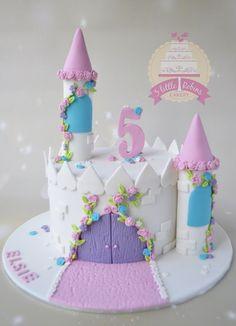 Princess Theme Cake, Disney Princess Birthday Cakes, Castle Birthday Cakes, Castle Cakes, Princess Castle, Fairy Castle Cake, Disney Castle Cake, Princess Sofia Cake, Disney Cakes