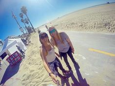 Palm Trees Ocean Breeze Sunkissed Skin and Salty Air  @catherinepratt in Venice Beach CA. #deakinabroad #venicebeach #la #california #usa #beachlife #sunshine #ocean #travel #explore #wanderlust #studyabroad #globetrotters by deakin_abroad