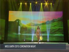 La Presentacion en Traje de Baño, de Venezuela, Andrea Rosales la Noche Final del Miss Earth 2015.