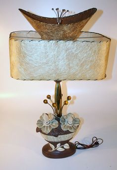 atomic age lamps   448F Mid Century Modern Lamp Funky Lamps, Cool Lamps, Mid Century Modern Lighting, Mid Century Modern Design, Antique Lamps, Vintage Lamps, Retro Lighting, Lighting Ideas, Lights Please