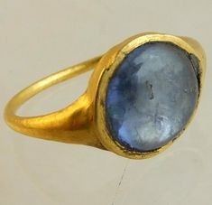 Medieval gold and sapphire ring | PeterSzuhay