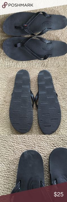 Women's Rainbow Narrow Strap flip flops Rainbow single layer premier leather with arch support and a narrow strap. Black leather. Excellent condition- only worn a couple times. Size 8. Small scuffs in heel and toe area on right flip flop- not noticeable when wearing them Rainbow Shoes Sandals