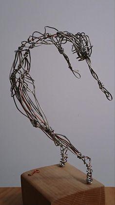 Artículos similares a Dance Wire sculpture en Etsy - Rose Magischewlt Wire Art Sculpture, Sculpture Projects, Abstract Sculpture, Art Projects, Wire Sculptures, Plaster Sculpture, Human Sculpture, Sculpture Lessons, Sculpture Ideas
