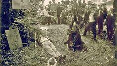 O lugar sinistro onde a elite mundial se reúne uma vez por ano: Fotos chocantes do Bohemian Grove são descobertas nos arquivos secretos ~ Sempre Questione