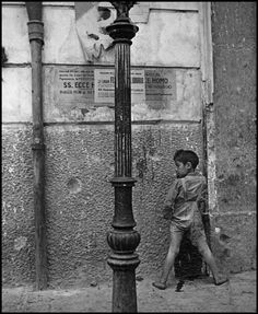 Boy smoking by Wayne Miller, Naples, Italy, 1944 Old Pictures, Old Photos, Vintage Photographs, Vintage Photos, Wayne Miller, Rodney Smith, Henri Cartier Bresson, Lewis Carroll, Famous Photographers