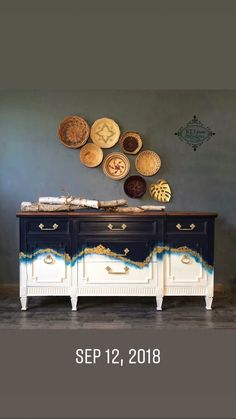 This Geode inspired work of art is incredible!  Find all the details at:  http://www.ktlyonsdesign.com Also www.facebook.com/Ktlyonsdesign Gold Leaf Furniture, Funky Furniture, Furniture Making, Furniture Projects, Unique Furniture, Refurbished Furniture, Paint Furniture, Upcycled Furniture, Furniture Makeover