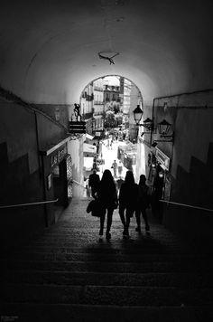 Arco de Cuchilleros, Madrid. ©Nur Nielfa 2017. All... - Nur Nielfa