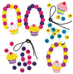 (http://www.notinthemalls.com/products/Cupcake-Wooden-Bead-Bracelet.html)