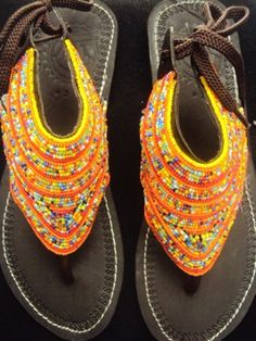 www.cewax.fr aime ces Sandale en cuir / Tribal sandal / Ethnic sandal / perles sandal / fait main sandale / cuir perles Masaï sandales