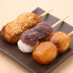 Japanese sweets (Dango)...Just saw these on (anime) Mushi-shi...now I wanna make 'em.