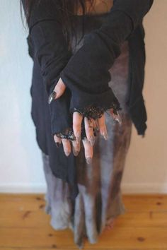 good for the witch costume ! Go to Goodwill & find a sweater you can distress like this. Witches Costumes For Women, Witch Costumes, Halloween Costumes, Halloween Halloween, Vintage Halloween, Halloween Makeup, Witch Fashion, Gothic Fashion, Mode Mori