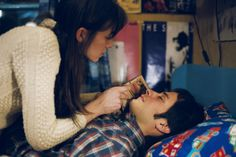 Gael García Bernal & Charlotte Gainsbourg in The Science of Sleep / Michel Gondry Film Music Books, Music Tv, Take Her Clothes Off, Michel Gondry, Kids In Love, Charlotte Gainsbourg, Science, Pause, About Time Movie