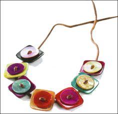 Bracelet ou collier en boutons de nacre