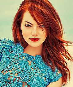 Ginger in blue (Emma Stone) she looks gorgeous! If only I could get away with red hair like that!! Lol