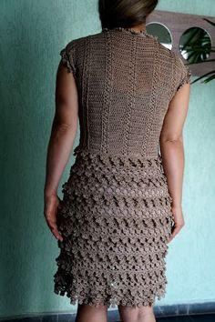 Oi pessoal!! Mais um vestido concluído e entregue . Já mostrei aqui o mesmo modelo em outras cores e tamanhos . Desta vez eu mesma q...