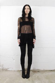 sistersoftheblackmoon.com Grunge Goth, All Black Everything, Glam Rock, Dark Fashion, Wearing Black, Berghain, Rocker Look, Boho, Black Moon