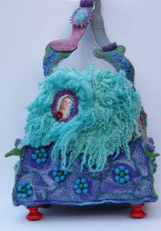 Gorgeous felted bag van Rozevilterije op Etsy, €200,00