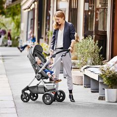 When you walk in a dream but you know you're not dreaming, that's amore! Stokke Scoot Stroller | Enter for a chance to win this beautiful stroller at designconundrum.com