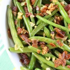 Bacon Garlic Green Beans uses fresh green beans cooked together with smoked bacon and fresh garlic. A southern style side dish! Garlic Green Beans, Paleo Bacon, Cooking Together, Pasta, Smoked Bacon, Country Cooking, Swagg, Pot Roast, Meal Planning