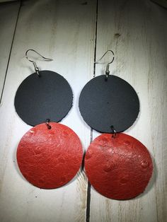 Black/Red Ostrich print leather double circle earrings