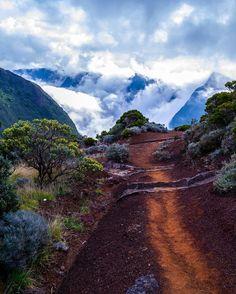 Stunning pathway near Piton de la Fournaise on La Réunion #themartian #volcano #travel #outdoor #wanderlust #hiking #nature #worldheritage #lareunion #picturesque #mars #beautiful #lumix #nofilter #colorful #clouds #surreal by thatis_myorbit
