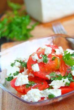 Tomato & cheese and garlic salad (Салата от домати със сирене и чесън)