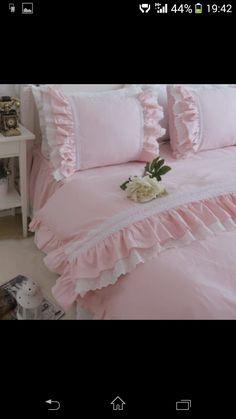 Yatak örtüsü Sofa Cushion Covers, Cushions On Sofa, Bed Covers, Duvet Cover Sets, Bed Pillows, Polka Dot Bedding, Ruffle Bedding, Bathroom Towel Decor, Hand Painted Fabric