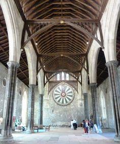 Things to do in Winchester, England:  Visit King Arthur's Round Table : been there - SSG