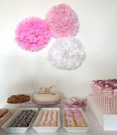 Dopdekoration och dukning – inspiration från Celines dop Baby Shower Crafts, Fika, Vineyard Wedding, Baby Party, All White, Macarons, Celine, Ale, Table Settings