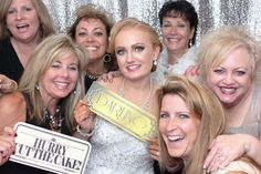 Wedding Pics with Friends - Party Picture Booth
