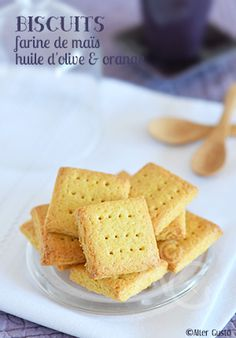 C'est la recette parfaite pour une journée maussade… ces petits biscuits vont l'ensoleiller autant par leur parfum que leur jolie couleur. Pssst ! Ils sont aussi délicieux quand il fait beau. J'ai utilisé une farine que j'avais un peu oubliée…...