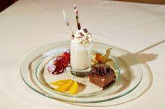 Süßer Dessertgenuss im Hotel #Wagrainerhof Dessert, Panna Cotta, Ethnic Recipes, Food, Culinary Arts, Home Made, Dulce De Leche, Deserts, Essen
