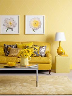 I love this yellow room, love the art, the lamp and the sofa