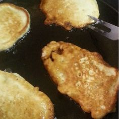 The Polynesian Kitchen: Keke Vai with Banana (Tongan) (Banana Pancakes)