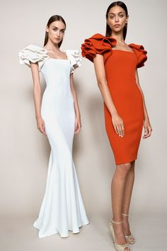 Badgley Mischka Resort 2018 Fashion Show Collection Fashion 2018, High Fashion, Fashion Dresses, Ladies Fashion, Women's Fashion, Fashion Trends, Couture Fashion, Runway Fashion, Spring Fashion